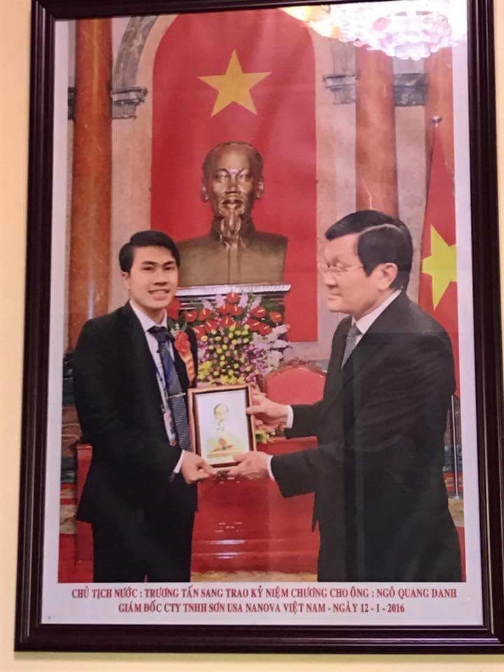 Chủ tịch  nước trao kỷ niệm chương